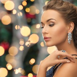 Why Jewelry Is the Best Holiday Gift
